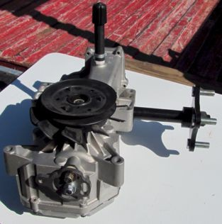 Hydrostat Left Hand, 2400, re-manufactured -  D-3725-02